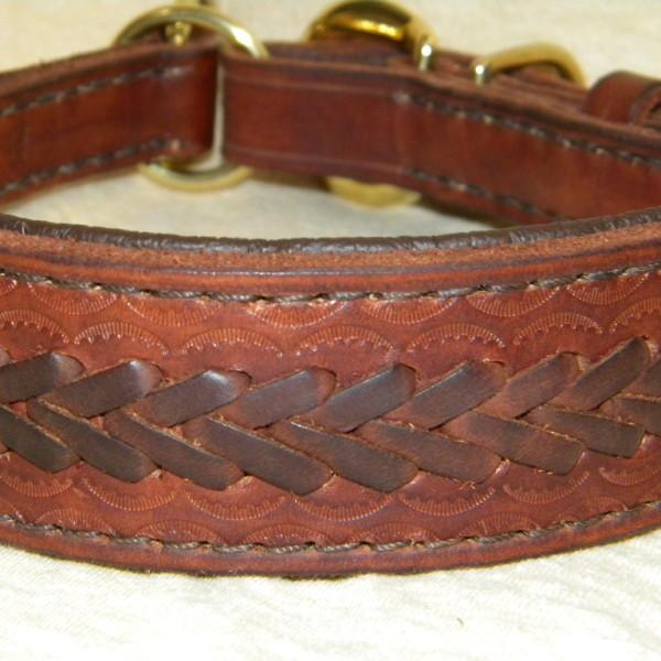 široký zdobený kožený obojek