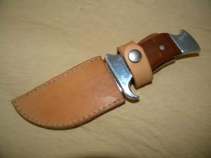 kožené pouzdro na nůž ruční výroby