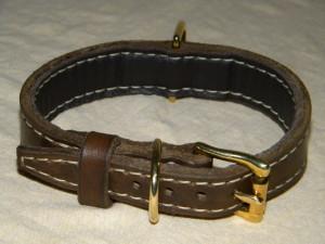 kožený obojek s bronzovým kováním