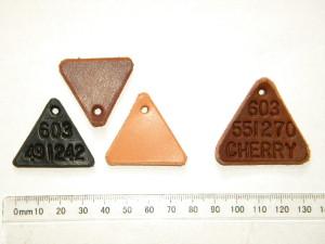 Trojúhelníkové visačky
